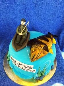 торт с фигуркой рыбака
